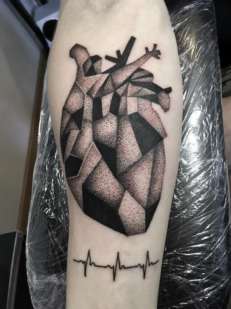 Tatuointi Sebastian La Familia Tattoo